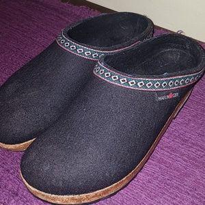Haflinger Shoes - Haflinger black clogs